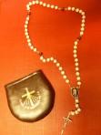 Chapelet et étui, avec la médaille du Christ Miséricordieux