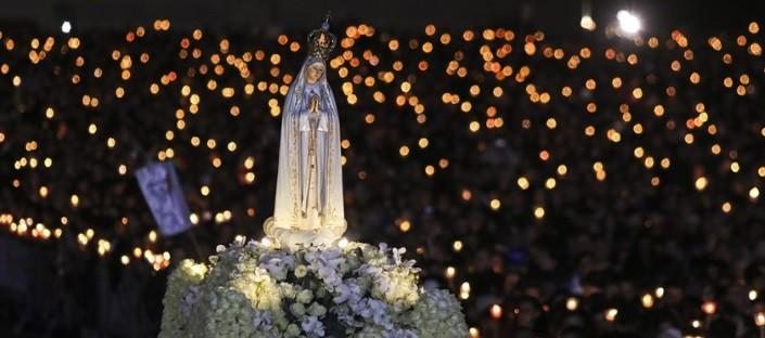 Fatima_procession_nuit